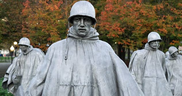 War memorial, statues of Soldiers in a park