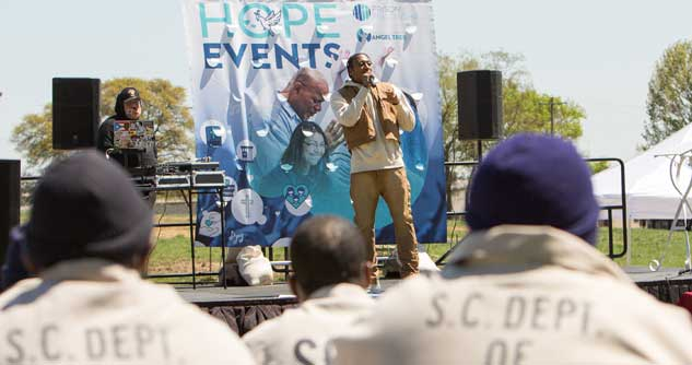 Lecrae performs for inmates at a HOPE Event