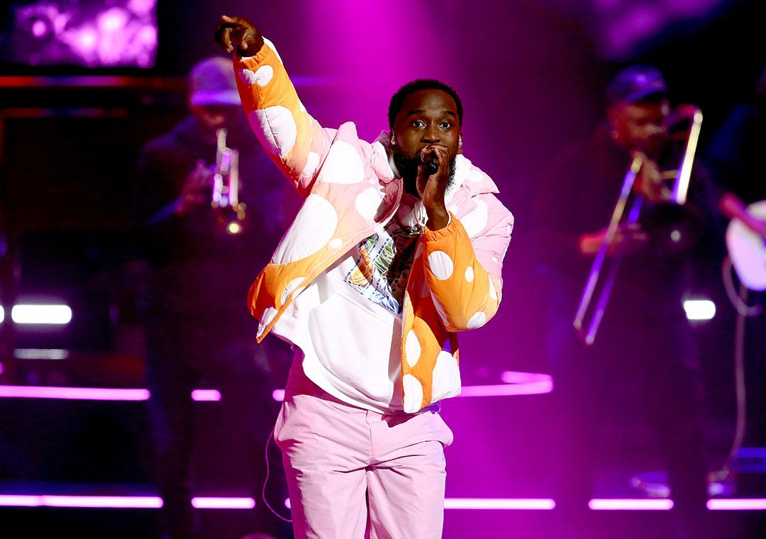 "Dante Bowe performs his hit ""Joyful"" at the 2021 K-LOVE Fan Awards."